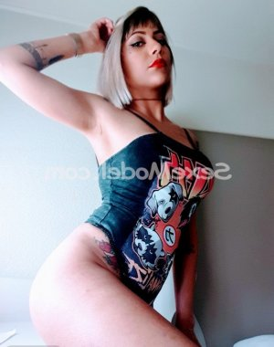 Zoubida lovesita rencontre libertine massage tantrique