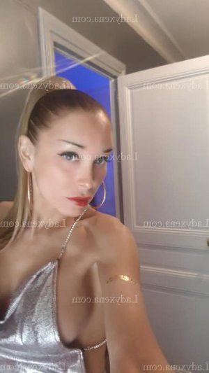 Amana escorte girl à Thouars 79